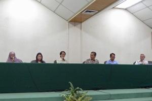 Pemateri dan moderator acara temu penerbit. Ki-ka: Esti (Mizan), Tanti (GPU), Andya (KPG), Hendarto Setiadi, Anton Kurnia (Serambi), John McGlynn (Yayasan Lontar).